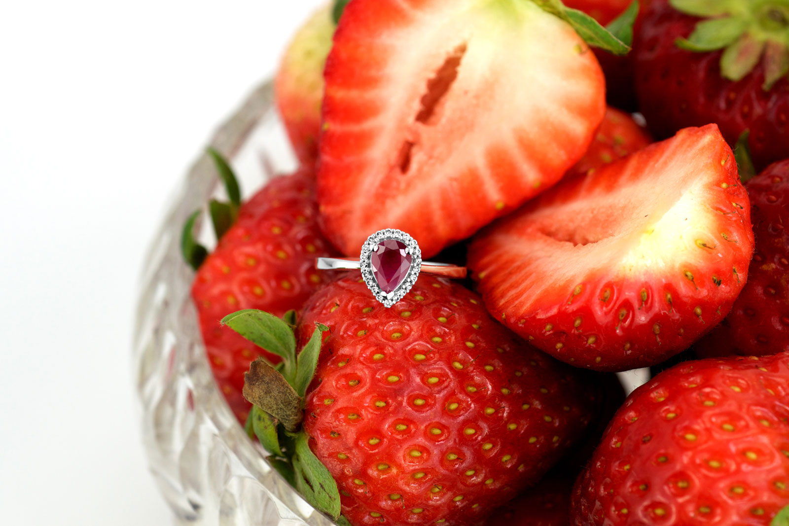 Paris Jewellers ruby ring photograph after